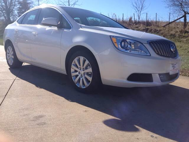 New Buick Verano Base 4dr Sedan w/1SD